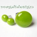 Zöld bogyók üvegékszer szett, gyűrű, fülbevaló, Ékszer, óra, Gyűrű, Fülbevaló, Ékszerszett, Ékszerkészítés, Üvegművészet, Fű zöld üveg felhasználásával készült a szett, olvasztásos technikával. A gyűrűfej átmérője 2.1 cm,..., Meska