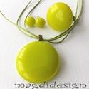 Élénk zöld  üvegékszer szett, nyaklánc, gyűrű, fülbevaló , Ékszer, óra, Fülbevaló, Nyaklánc, Gyűrű, Ékszerkészítés, Üvegművészet, Élénk, világos zöld, minőségi, ékszerüvegből készült a medál, a gyűrű és a fülbevaló, olvasztásos t..., Meska