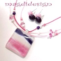 Lila-rózsaszín-fehér fényjáték üvegékszer szett, nyaklánc, fülbevaló, Ékszer, óra, Nyaklánc, Fülbevaló, Ékszerszett, Ékszerkészítés, Üvegművészet, Sejtelmesen csillogó, rózsaszín-lila-fehér mintás üveg felhasználásával készült a  medál és a fülbe..., Meska