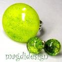 Csillogó zöld villanás üvegékszer szett, gyűrű, pötty fülbevaló , Ékszer, óra, Gyűrű, Fülbevaló, Ékszerszett, Ékszerkészítés, Üvegművészet, Csillogó zöld üveg felhasználásával készült a szett, olvasztásos technikával. A gyűrűfej átmérője 2..., Meska