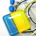 Kék-zöld-sárga csíkos színjáték üvegékszer szett, nyaklánc, fülbevaló, Ékszer, óra, Medál, Fülbevaló, Ékszerszett, Ékszerkészítés, Üvegművészet, Csillogó, sárga, középkék és élénk neon-zöld ékszerüveg került felhasználásra ennél a mutatós, nagy..., Meska