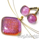 Pink? Arany?Vörös? rombusz üvegékszer szett, nyaklánc, kapcsos fülbevaló , Ékszer, óra, Fülbevaló, Medál, Ékszerszett, Ékszerkészítés, Üvegművészet, Pink, arany, vörös, lila színeiben csillogó dichroic üveg felhasználásával készült a medál és a kap..., Meska