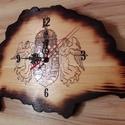 Nagy-Magyarország óra, körbeégetett, Ékszer, óra, Férfiaknak, Karóra, óra, Hagyományőrző ajándékok, Famegmunkálás, Az óra 18mm vastag fenyőből készült. Mérete:36cm*23cm Az angyalos címer kézzel beleégetve. Az egész..., Meska