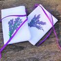 Levendula mintás zsák,kézzel festett, lila szalaggal, Dekoráció, Dísz, Festett tárgyak, Saját kezűleg varrott fehér textilzsákra levendulamintát festettem,rávarrt lila szalaggal összeköth..., Meska
