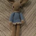 Nyuszi lány, Játék, Játékfigura, Horgolás, Saját készítésű horgolt játékfigura. 30 cm-es nyuszilány kék ruhában. , Meska