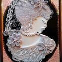 SZILUETT, Dekoráció, Kép, Papírművészet,  A quilling technikával készült kép fehér színben fekete-rózsaszín alapon ábrázol egy női arcot 23x..., Meska