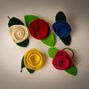 Filc Rózsa, Ruha, divat, cipő, Baba-mama-gyerek, Ékszer, óra, Hajbavaló, Varrás, Ékszerkészítés, Filcből készült rózsa.  A rózsák átmérője átlagosan; 5cm + a levelek hossza. Szín és funkció válasz..., Meska