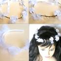 Virág hajkoszorú - hófehér kislány fejpánt ünnepekre, Dekoráció, Esküvő, Ruha, divat, cipő, Hajbavaló, Ékszerkészítés, Varrás, Tündériek ebben a hajkoszorúban  a legapróbbak is. Mivel hátul fehér szatén szalaggal állítható a bő..., Meska