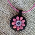 Ciklámenrózsaszín filc virágos medál kapcsos, viaszos nyaklánc-zsinóron, Ékszer, óra, Nyaklánc, Medál, Varrás, Azt hiszem ciklámenrózsaszínnek hívják ezt a színt..., amilyen a fekete alapon lévő virág színe. A ..., Meska