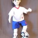 Ede, Játék, Játékfigura, Plüssállat, rongyjáték, Baba-és bábkészítés, Varrás, Ede 35cm magas focista fiú baba. Sportmezben, foci cipőben foci labdával. Drót vázra épült, mozgath..., Meska