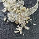 Karamell nyakpánt, Esküvő, Esküvői ékszer, Gyöngyfűzés, Ékszerkészítés, Karamell nyakpánt Az ékszer anyaga:  strassz, kristály gyöngy, virág, csipke  Szín:karamell Méret:d..., Meska