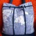 Válltáska, Táska, Válltáska, oldaltáska, Farmermintás vászon táska, bélése világos vászon, rávarrt osztott zsebbel. Mérete: 38x40, pántja 70 ..., Meska