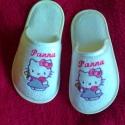Hello Kitty ,Miki egér, Hercegnő.. szoba papucs, kicsiknek , Ruha, divat, cipő, Baba-mama-gyerek, Cipő, papucs, Hímzés, Varrás, Frottír, szivacsos plüss fejrésszel, frottír szivacs plüss filc anyaggal kasírozott műbőr talpréssz..., Meska