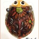 Virágos BOGARAM, Baba-mama-gyerek, Dekoráció, Gyerekszoba, Baba falikép, Kerámia, Hargitai agyagból készült 17cm x 12cm 307g vésett festett lakkozott kerámia. Üde színfoltja kertnek..., Meska