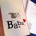 babanapló lila, Baba-mama-gyerek, Naptár, képeslap, album, Jegyzetfüzet, napló, Fotó, grafika, rajz, illusztráció, Egyedi készítésű, vidám mintás babanapló, babaváró könyvecske, ajándéknak is tökéletes választás!  ..., Meska