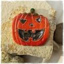 Halloween tök kerámia mágnes, Konyhafelszerelés, Dekoráció, Hűtőmágnes, Kerámia, Vidám, egyedi, kézzel készült hűtőmágnes (nem csak hűtőre). Különböző színekben, mintákban és motív..., Meska