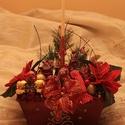 Piros asztaldísz gyertyával, Dekoráció, Ünnepi dekoráció, Virágkötés, Kaspó kerámia 21*13 glitteres mintás piros Különböző karácsonyi díszekkel, termésekkel stb., Meska