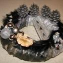 Fekete-ezüst angyali elegancia, Dekoráció, Dísz, Karácsonyi, adventi apróságok, Karácsonyi dekoráció, Virágkötés, Nem hétköznapi színösszeállítással készítettem ezt az adventi koszorút. Kerek alapot ezüst színű an..., Meska