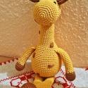 Horgolt zsiráf, Játék, Játékfigura, Horgolt zsiráf pamut fonalból, szilikonizált vatelinnel töltve, hímzett foltokkal és szemekkel Mosóg..., Meska