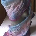 Lila-kék-rózsaszín nuno nemez sál, Ruha, divat, cipő, Kendő, sál, sapka, kesztyű, Sál, Nemezelés, Nuno nemez sál,egyedi tervezés.Anyaga hernyóselyem és ausztrál merinó gyapjú.Lehelet finom,puha sál..., Meska
