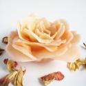 Rózsa alakú gyertya - barack, Otthon, lakberendezés, Gyertya, mécses, gyertyatartó, Gyertya-, mécseskészítés, Halvány barackszínben tündöklő, kinyílt rózsát formázó gyertya. Minden darab egyenként, kézzel kész..., Meska