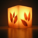 Leveles viaszlámpás, Otthon, lakberendezés, Gyertya, mécses, gyertyatartó, Gyertya-, mécseskészítés, Viaszból öntött, levelekkel díszített lámpás, mely kellemes, meleg fénnyel világítja be otthonod.  ..., Meska