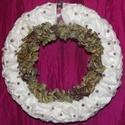 Ajtódísz, Karácsonyi, adventi apróságok, Karácsonyi dekoráció, Virágkötés, Az alap szalma koszorú, amit fehér vattakoronggal tűztem körbe és szárított hortenzia virággal vala..., Meska