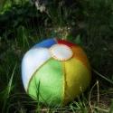 Filclabda, Játék, Készségfejlesztő játék, Varrás, Színes filcből készült labda, gyapjú töltéssel, melyet sok aprólékos kézi öltéssel varrtam meg. Kis..., Meska