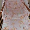 3 r. babaágynemű szett, Baba-mama-gyerek, Otthon, lakberendezés, Gyerekszoba, Falvédő, takaró, Varrás, Gyerekmintás pamutvászonból készítettem ezt a babaágynemű szettet, a töltet műszálas, 200 gr-os vli..., Meska