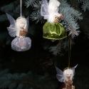 Termésangyal, Dekoráció, Karácsonyi, adventi apróságok, Dísz, Karácsonyfadísz, Mindenmás, Virágkötés, Saját ötletem alapján készítettem ezeket az angyalkákat.Testük pálmamagból és eukalyptusból készült..., Meska