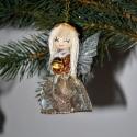 Termésangyal kisharanggal, Karácsonyi, adventi apróságok, Karácsonyi dekoráció, Karácsonyfadísz, Mindenmás, Virágkötés, Különböző színekben rendelhető angyalka, melynek a kezében pici harang van.Teste pálmamagból és euk..., Meska