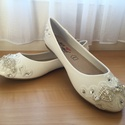 Menyasszonyi cipő, Esküvő, Ruha, divat, cipő, Cipő, cipőklipsz, Cipő, papucs, Gyöngyfűzés, Hímzés, Eladó a képen látható egyedi kézzel díszített Balerína Lapostalpú Menyasszonyi cipő!  Mérete 38-as ..., Meska