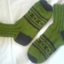 fekete mintás zöld férfi zokni (rendelésre), Ruha, divat, cipő, Férfi ruha, Kötés, 42-es lábra való mintás férfi zokni. Rugalmas, kellemes viselet. Hasonlót szívesen elkészítek 2-3 na..., Meska