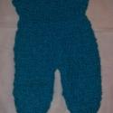 Bébi rugdalózó (rendelésre), Ruha, divat, cipő, Gyerekruha, Baba (0-1év), Horgolás, Kötés, Pihe-puha kék akril fonalból készült újszülött bébi rugdalózó. Kb.50-56 cm hosszú (a kötés tágul). ..., Meska