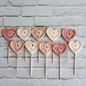 Torta/ cupcake dekoráció, Dekoráció, Konyhafelszerelés, Horgolás, 10 db horgolt szív, tortára, sütire szúrható dekoráció. Pasztell színek, a szívek mérete kb. 3 cm., Meska