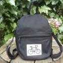 Biciklis,fekete vászon kis hátizsák , Ruha, divat, cipő, Táska, Hátizsák, Varrás, Ez a kicsi hátizsák fekete vászonból készült.A bringa saját ötlet alapján kézi szitanyomással kerül..., Meska