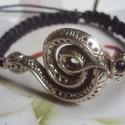 Kígyó !makramé karkötő fekete, Ékszer, óra, Karkötő, Csomózás, Ékszerkészítés, Makramé karkötőt készítettem .,viaszolt szálból.  Mérete szabályozható.  Kígyó mérete :5,5 cm  Más ..., Meska
