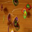 Pávaszemek - pillekönnyű forgó a pávatoll mintájával, Dekoráció, Otthon, lakberendezés, Mindenmás, Dísz, Mindenmás, Ezt a forgót a pávatoll jellegzetes mintája ihlette. Hat szín különböző kombinációja gyönyörködteti..., Meska