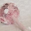 Annabelle menyasszonyi, esküvői csokor, Esküvő, Esküvői csokor, Esküvői ékszer, Esküvői dekoráció, Virágkötés, Ez a csokor sok kézzel készített virágból és csipkéből készült, gyöngyökkel és néhány csillogó stra..., Meska
