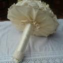 Ekrű álom - menyasszonyi csokor,csomag, Esküvő, Dekoráció, Esküvői csokor, Ünnepi dekoráció, Virágkötés, Viki kérésére készítettem ezt az ekrű árnyalatú csomagot 1.csipke szélű csokorszoknyás rózsa-horten..., Meska