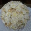 Ekrű Álom CSAK MEGRENDELÉSRE!, Esküvő, Esküvői csokor, Virágkötés, Ekrű színú ruhához illő csokrot készítettem rózsából és hortenziából. Átmérője 20 cm,csipkével van ..., Meska