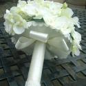 Veroniqe-orchidea,rózsa, Esküvő, Esküvői csokor, Virágkötés, Megtaláltuk egymást-a gyönyörű lágyszínű orchidea és én.Már láttam a csokrot egy menyasszony kezébe..., Meska