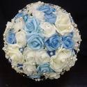 Emily-kék csokor, Esküvő, Esküvői csokor, Hajdísz, ruhadísz, Virágkötés, Fehér és két árnyalatú kék rózsából,aprócska kék gyöngyközepű virágokból kötöttem ezt a csokrot a k..., Meska
