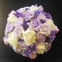 Lillaanne menyasszonyi csokor, Esküvő, Esküvői csokor, Virágkötés, Minden elérhető lila árnyalatú virágomból kötöttem ezt a csokrot. Habrózsa és selyemvirág. A csokor..., Meska