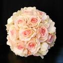 Hortenzia-rózsa csokor, Esküvő, Esküvői csokor, Virágkötés, Hortenzia a kedvencem s remélem,hogy másoké is.Rózsával kötöttem egy nagy csokorba.Természetes szép..., Meska