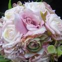 Bogi csokor, Baba-mama-gyerek, Esküvő, Esküvői csokor, Virágkötés, Rózsaszín, kicsit lilába hajló árnyalatok.Virágok sokasága egy kis csokorban.Selyem és habrózsa,bog..., Meska