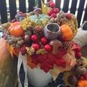 Őszi asztaldísz búb, Dekoráció, Virágkötés, Az ősz mesés színeiben pompázó asztaldíszt készítettem, melyhez illő kopogtatót is találsz a termék..., Meska