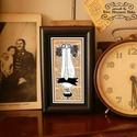 Bajusz Őr, a békés otthonért! Szignózott, keretezett nyomat, 6cm x11 cm, Képzőművészet, Grafika, Illusztráció, Vegyes technika, Fotó, grafika, rajz, illusztráció, Mindenmás, Jópofa kép a békés otthon kedvelőinek. Saját grafikámmal.   Moha Bajusz Őr: A békés otthon védelmez..., Meska