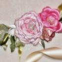 Extravagáns rózsás menyasszonyi öv, Esküvő, Ruha, divat, cipő, Hajdísz, ruhadísz, Öv, Horgolás, Varrás, Extravagáns, díszes menyasszonyi öv. Széles szatén szalag alapra zsinóros csipkét varrtam, erre var..., Meska