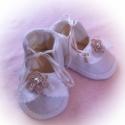 Keresztelő baba cipő puha filcből, Baba-mama-gyerek, Ruha, divat, cipő, Baba-mama kellék, Cipő, papucs, Varrás, Alkalmi baba cipő törtfehérben. Tökéletes választás lehet keresztelőre vagy esküvőre. Anyaga finom ..., Meska